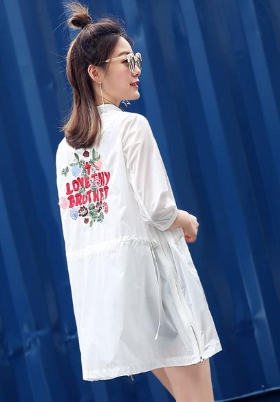衣饰馨语2017夏装新款韩版中长款七分袖女士防晒衣圆领刺绣图案宽松薄外套