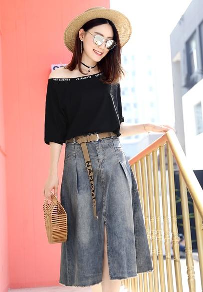 衣饰馨语2017夏季欧洲站新款时尚套装女宽松一字领针织短袖T恤+牛仔半身裙两件套