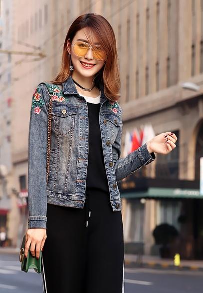 衣饰馨语2017秋装新款水洗牛仔服女韩版修身显瘦百搭刺绣牛仔上衣短外套
