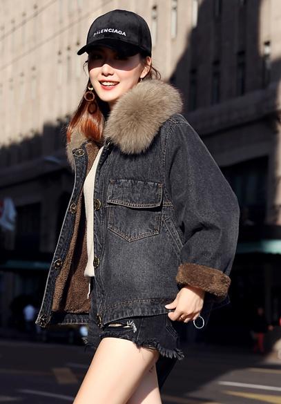 衣饰馨语2017冬装新款加绒加厚牛仔棉衣女狐狸毛领宽松斗篷牛仔棉服外套