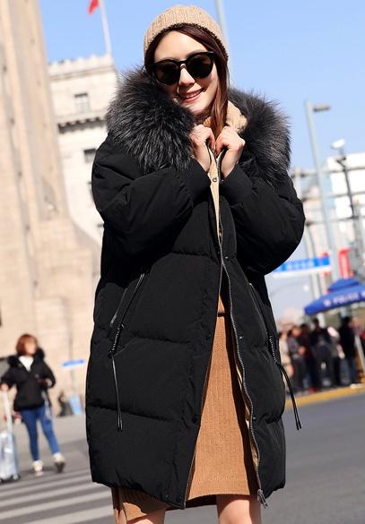 衣饰馨语2017冬季新款韩版中长款连帽彩色大毛领加厚面包服羽绒服外套女