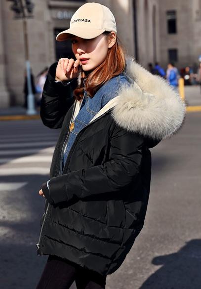 衣饰馨语2017冬装新款欧洲站女士斗篷型连帽羽绒衣外套时尚大毛领羽绒服