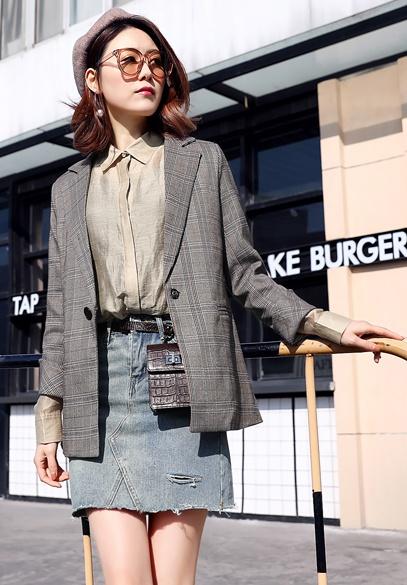 衣饰馨语2018春季新款女士韩版时尚一粒扣格子小西装百搭休闲西服外套