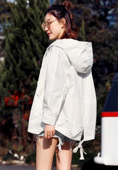 衣饰馨语欧洲站2018春季新款时尚宽松连帽小风衣斗篷百搭短外套