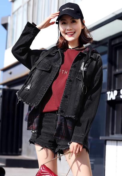 衣饰馨语2018春季新款女士格子拼接牛仔卫衣韩版时尚牛仔外套潮
