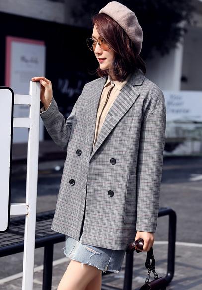 衣饰馨语2018春季新款韩版女士小西装时尚双排扣西服外套潮