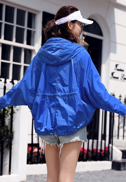 衣饰馨语2018夏季新款韩版时尚连帽防晒衣女宽松短款透气休闲薄外套