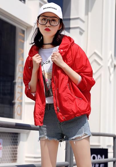衣饰馨语2018夏季新款韩版时尚短款防晒衣服女宽松透气连帽薄外套