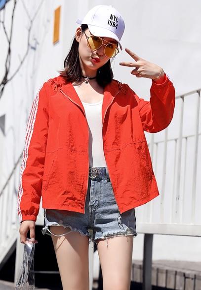 衣饰馨语2018夏季新款韩版时尚宽松连帽防晒衣服女短款轻薄透气外套