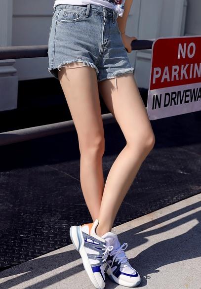 衣饰馨语2018春夏新款韩版时尚水洗做旧短款牛仔裤百搭显瘦女士短裤