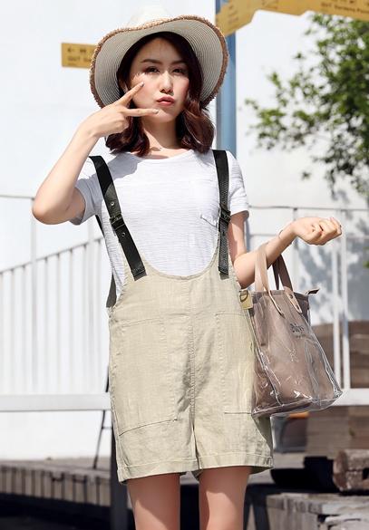 衣饰馨语2017夏装新款时尚显瘦背带裤套装女夏短袖T恤+背带短裤两件套