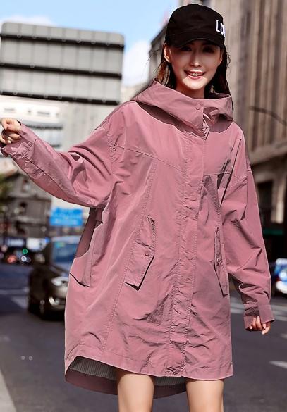 衣饰馨语欧洲站2018秋季新款大码宽松休闲女士外套中长款字母印花风衣