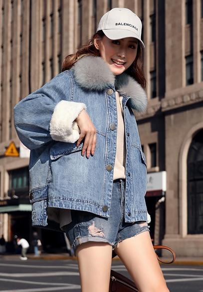 衣饰馨语2018冬装新款宽松大毛领加厚牛仔棉服女保暖加绒牛仔棉衣外套