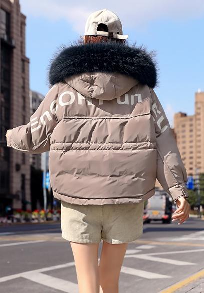 衣饰馨语2018冬装新款韩版时尚字母印花短款宽松连帽大毛领羽绒服外套女