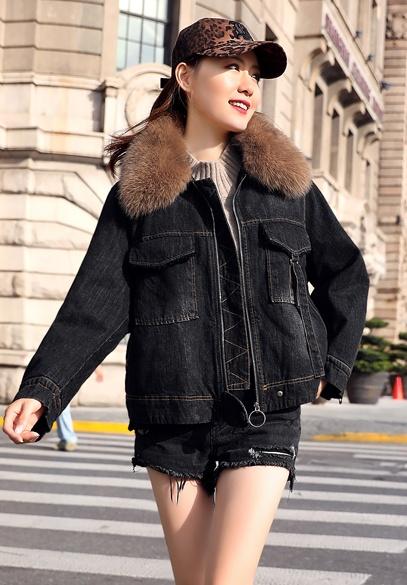 衣饰馨语2018冬季新款韩版狐狸毛领加绒牛仔短外套时尚女士牛仔棉衣