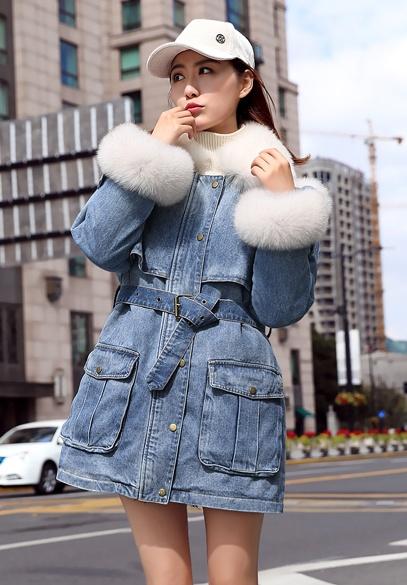 衣饰馨语2018冬新款韩版时尚显瘦狐狸毛领羽绒服女可脱卸内胆羽绒牛仔外套潮