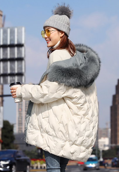 衣饰馨语2018新款中长款大毛领连帽宽松羽绒服女韩版时尚绣花冬装外套潮